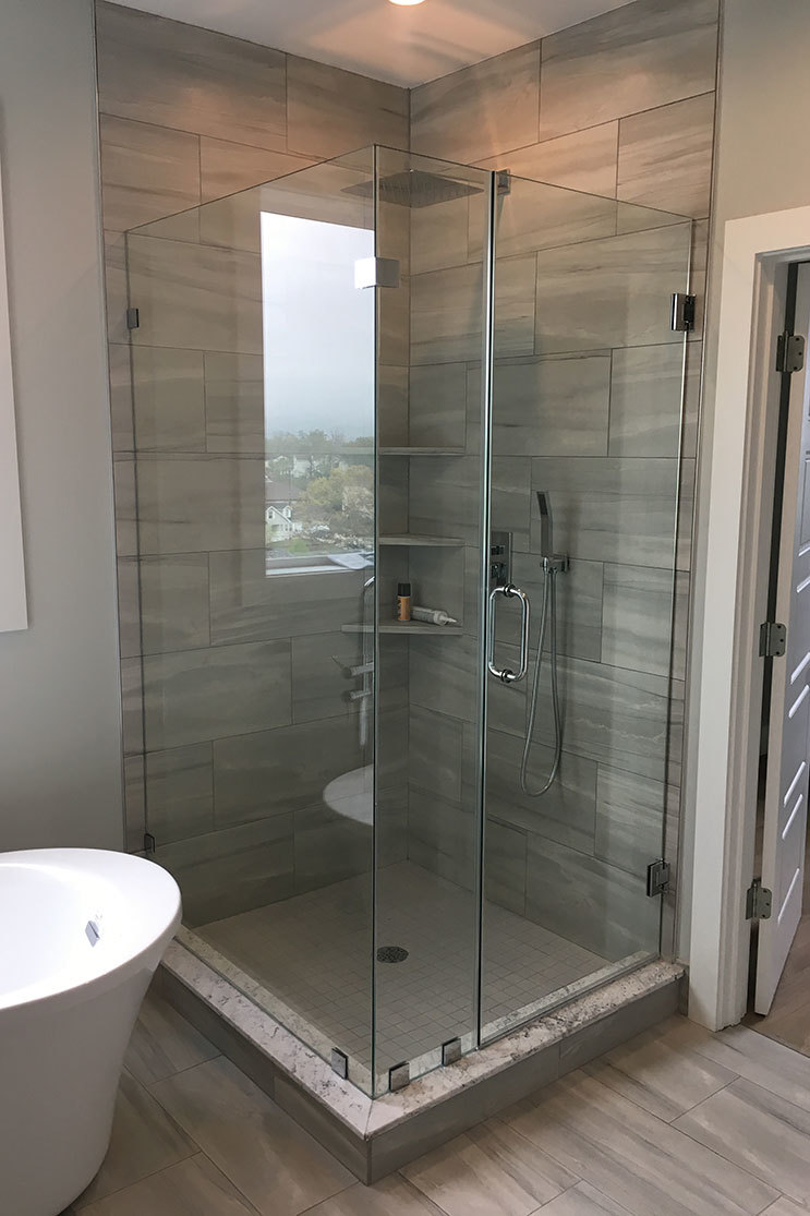 Mobile Glass shower door