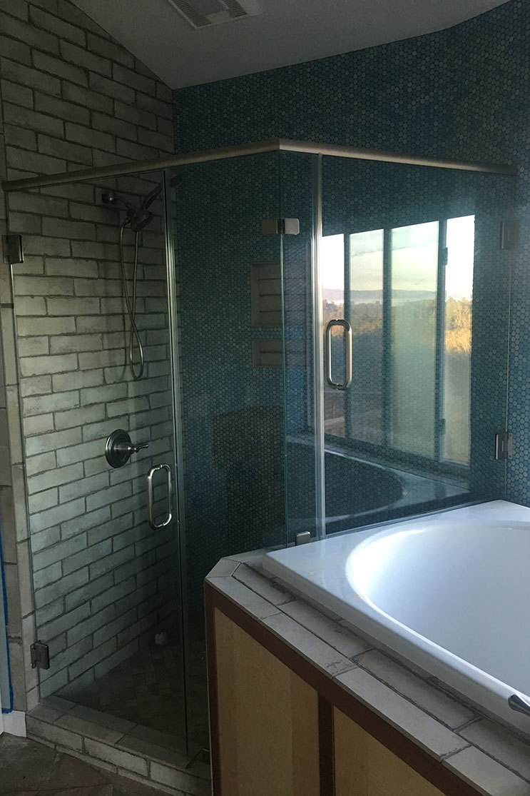 Mobile Glass shower door partner